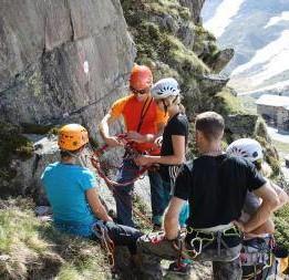 Gewinne einen Platz im SAAC Klettercamp