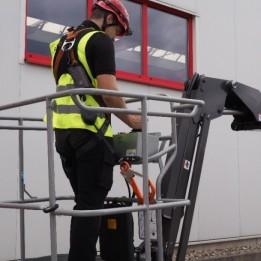 Merkblatt zum sicheren Arbeiten in Hubarbeitsbühnen