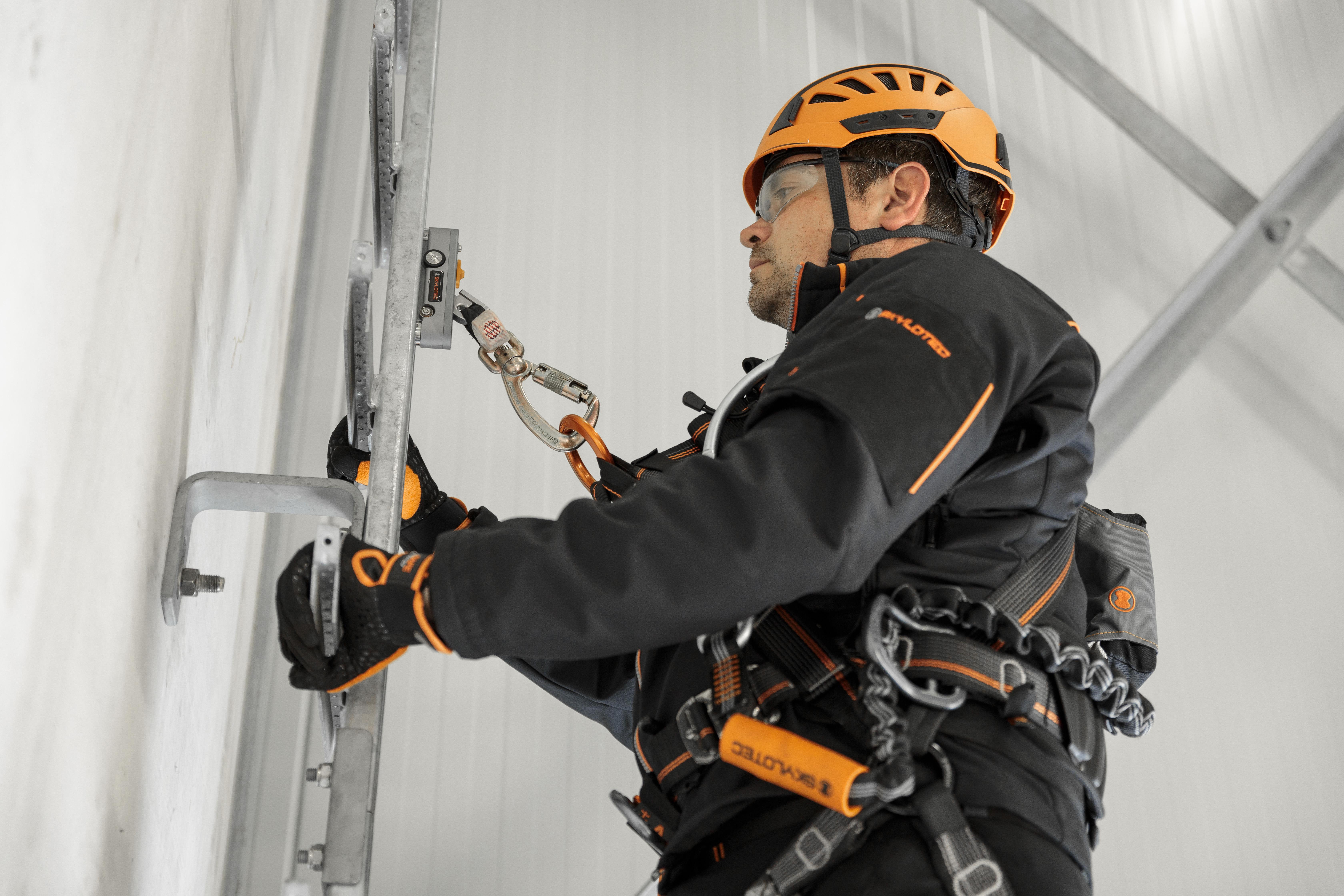 SPEED ATTACH Läufer für vertikale Steigschutzsysteme