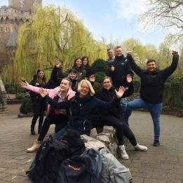 Ausflugsziel Phantasialand: Auszubildende bei SKYLOTEC lernen sich kennen